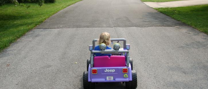 child-driving-jeep