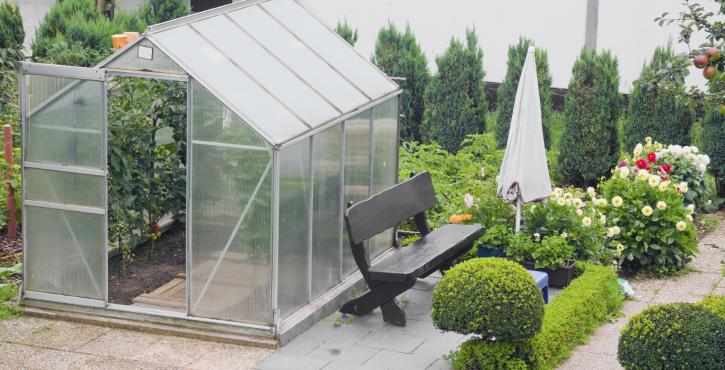 how to build a greenhouse easy